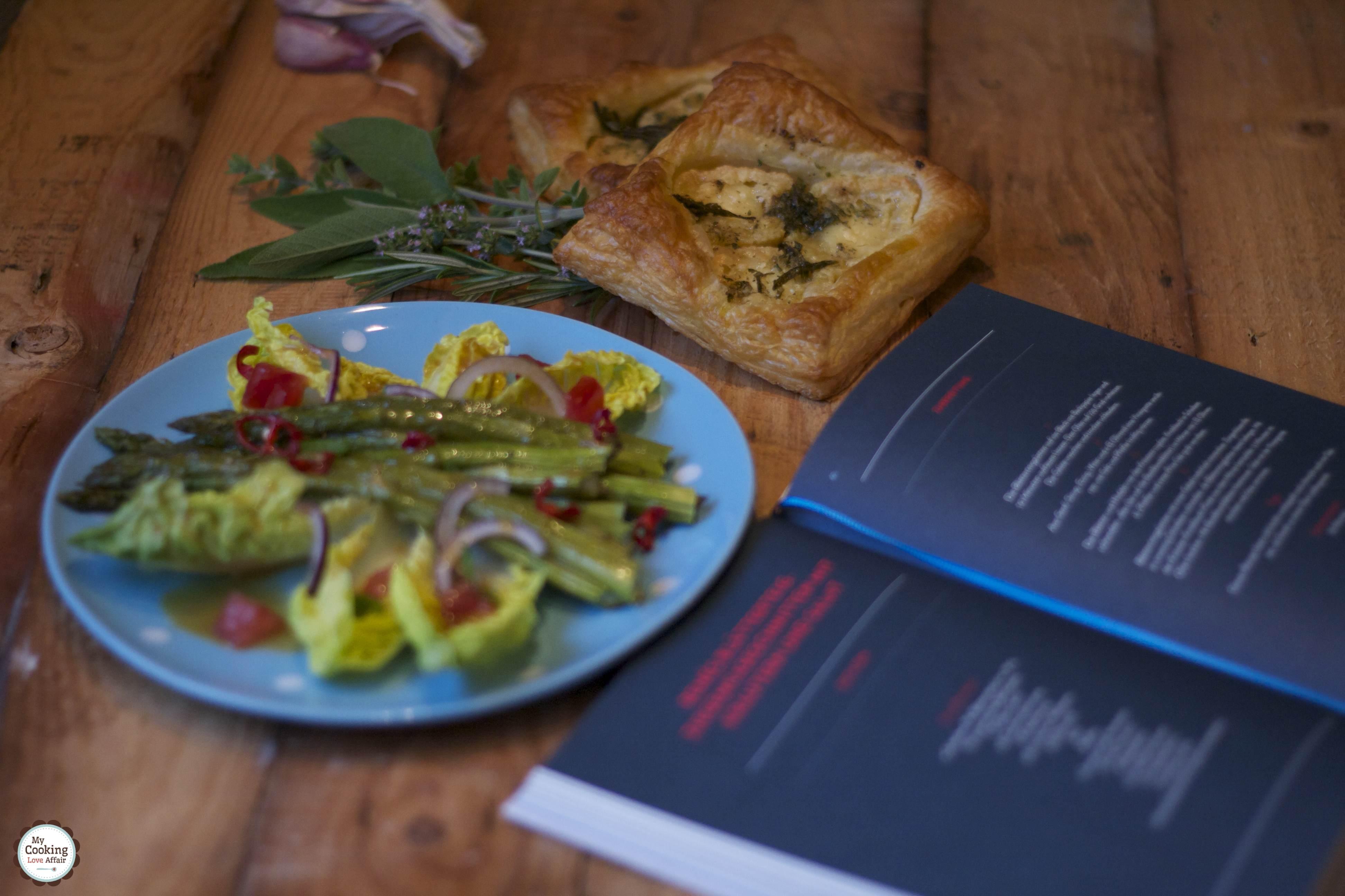 Renés Blätterteig-Ziegenkäseschnitten mit Kräutern und Salat