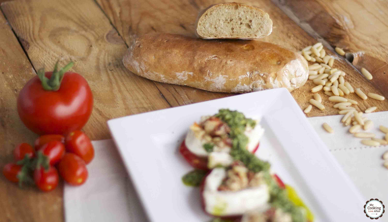 gefüllter Mozzarella mit Pesto und frischen Seelen