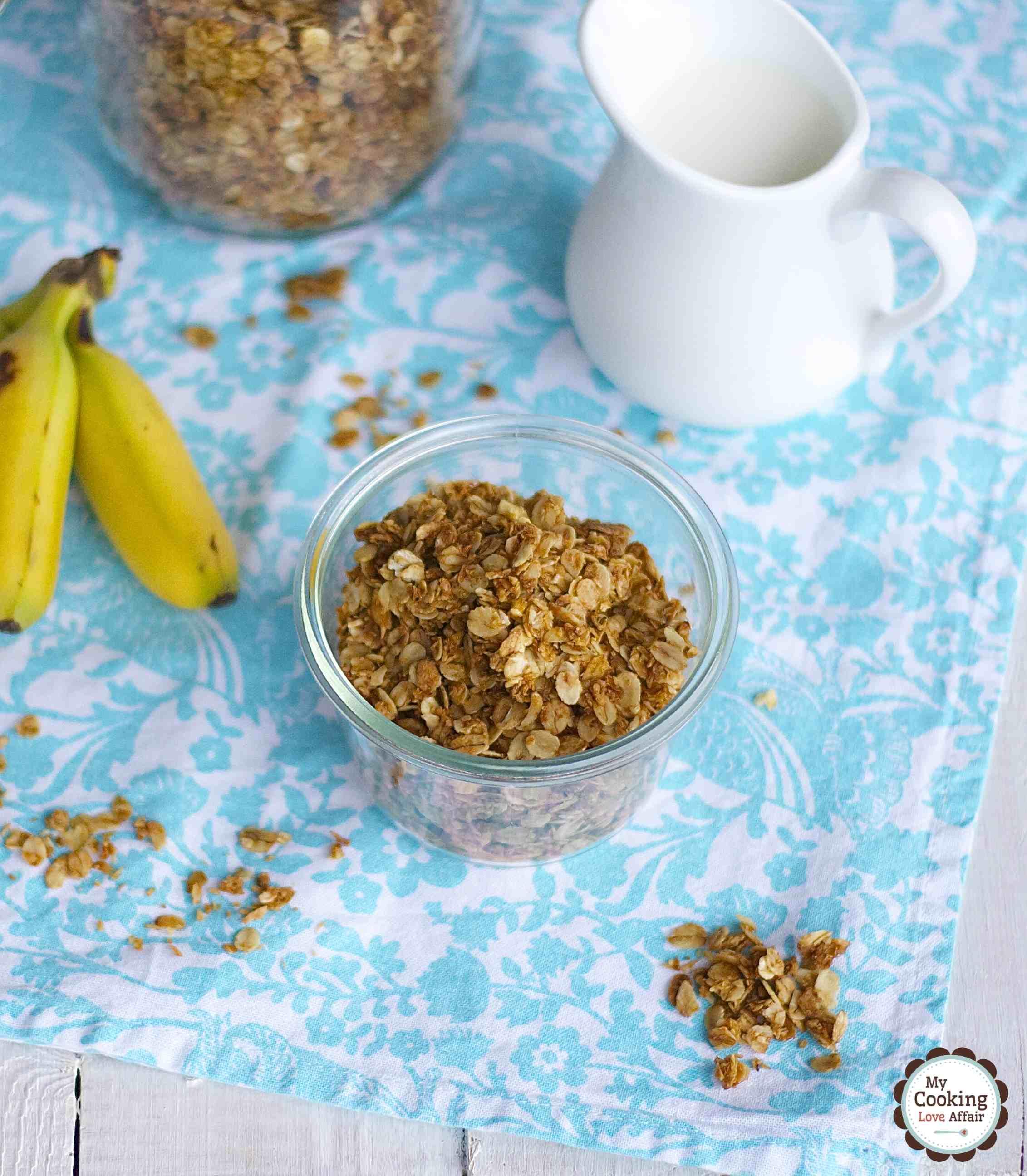 crunchy Banana-Cocos-Granola für Post aus meiner Küche