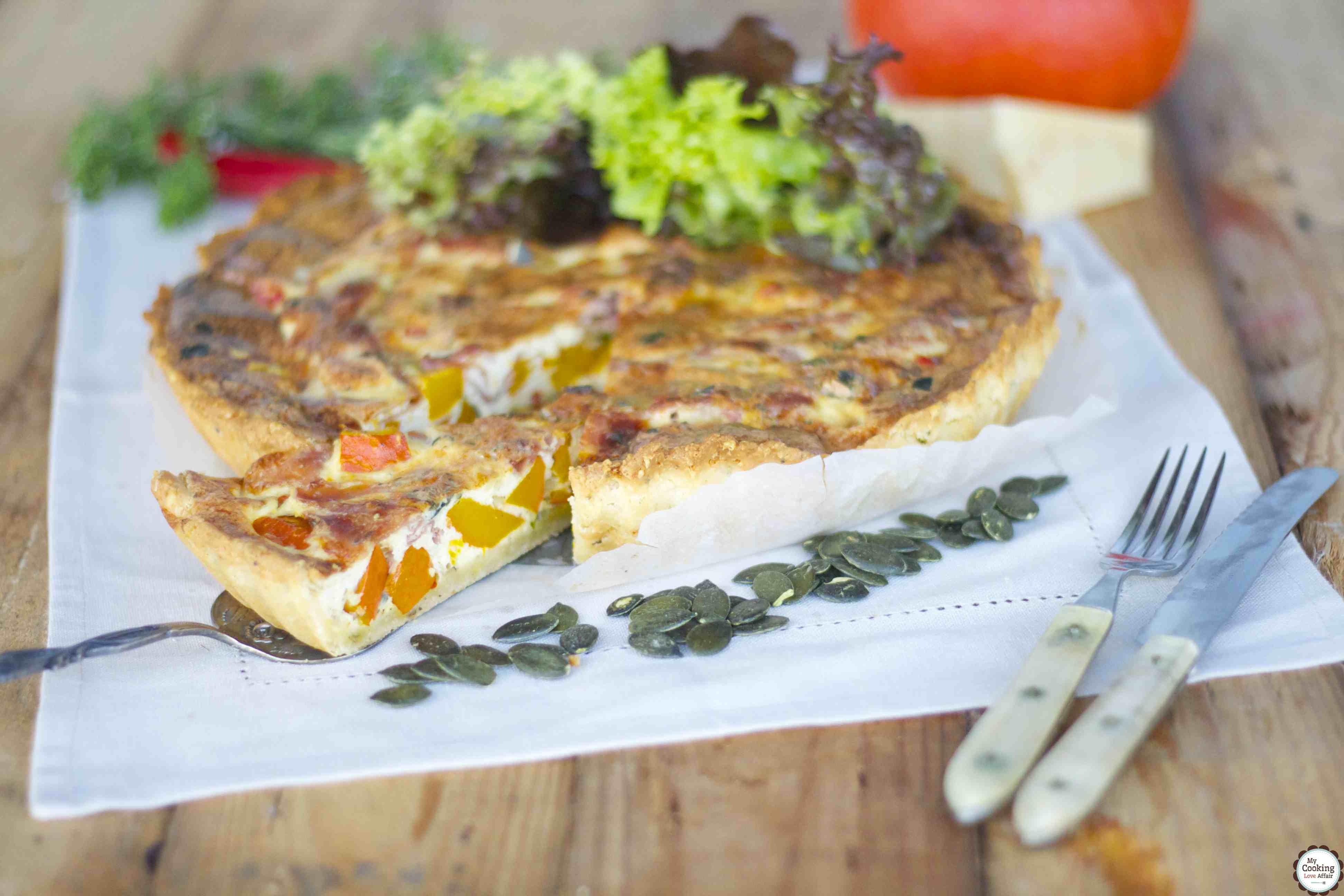 Parmesan-Tarte mit Parmaschinken und Kürbis für die Effilee