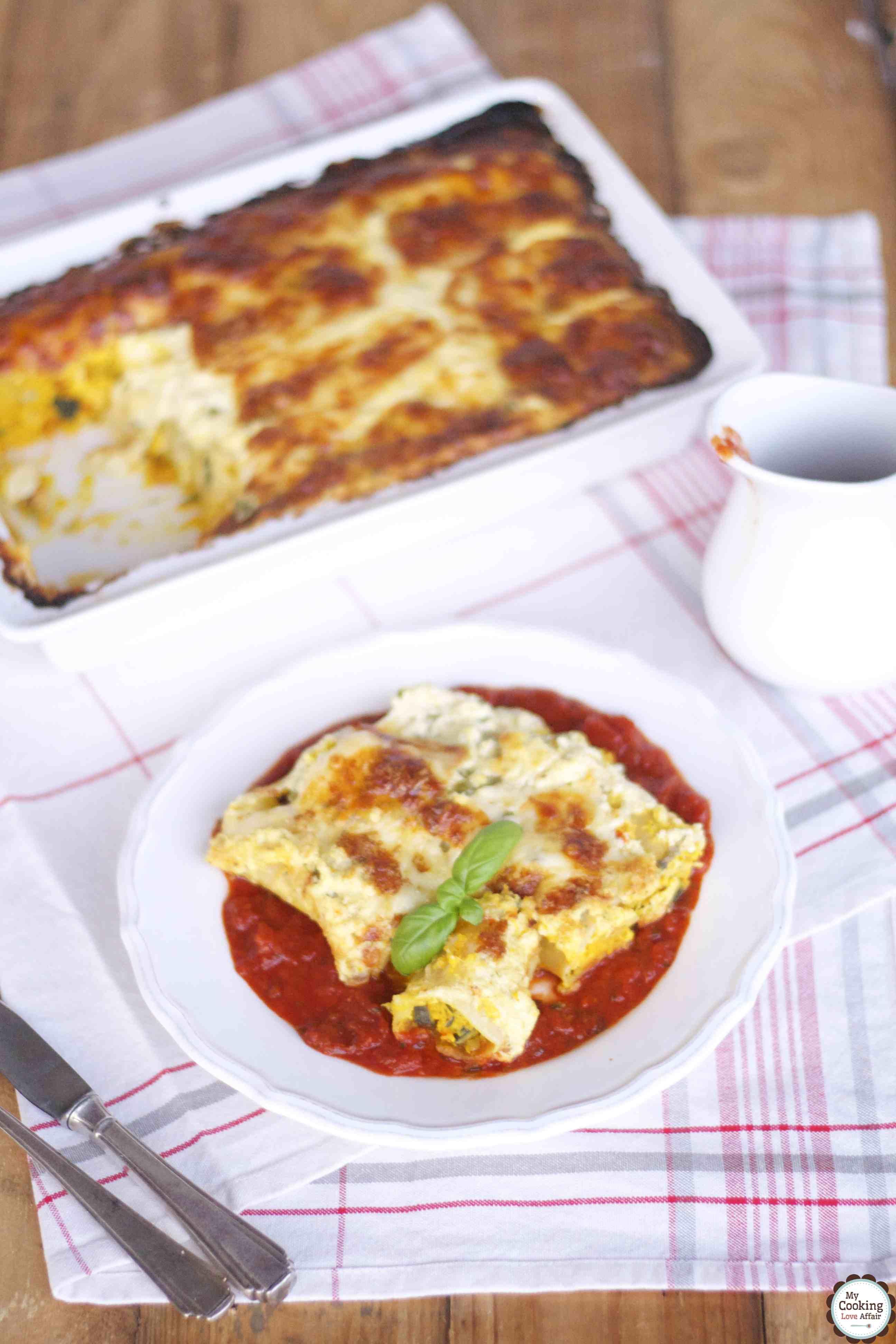Kürbis-Ricotta-Cannelloni mit Tomatensoße