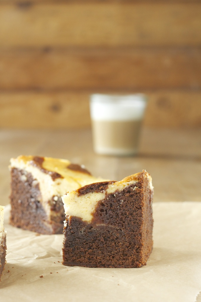 Valrhona-Brownie meets Orangen-Cheesecake