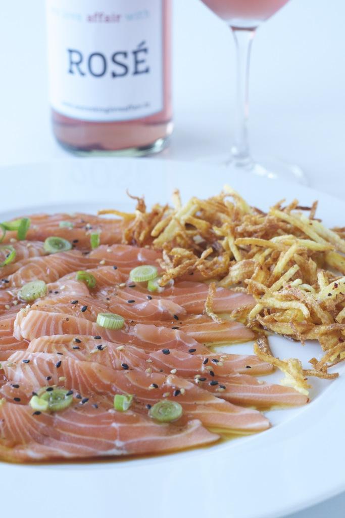 Lachs Asia Style mit knusprigen Kartoffelnsticks