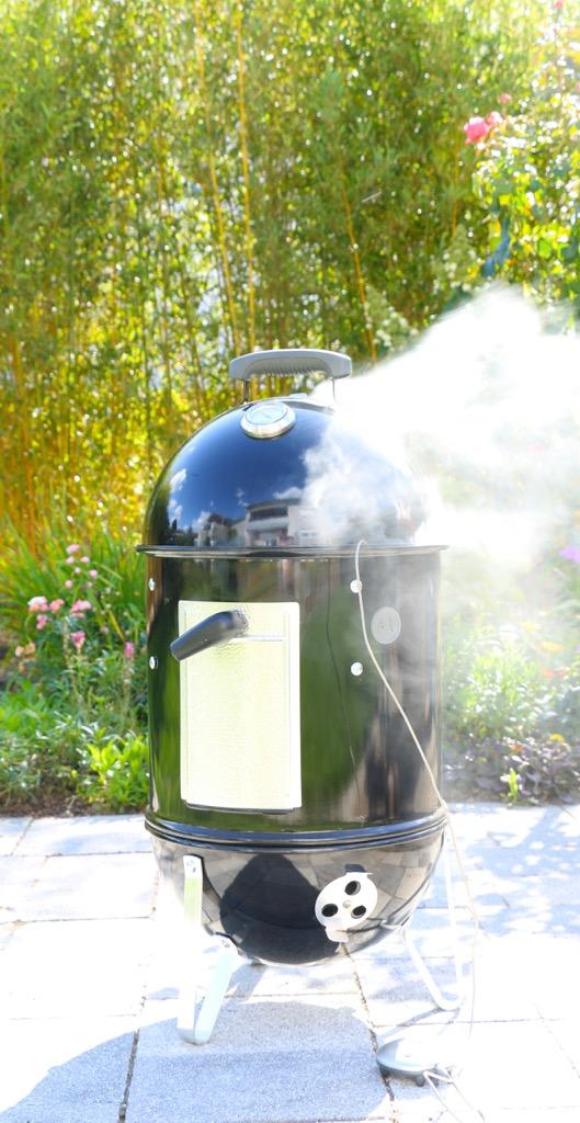 Alte Wutz vom Smoker, Fenchel-Koriander-Rub mit Apfelrelish und KaKoPü