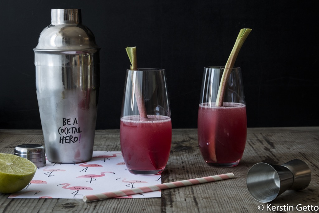 Cosmopolitan_Cocktail_mit_rhabarber