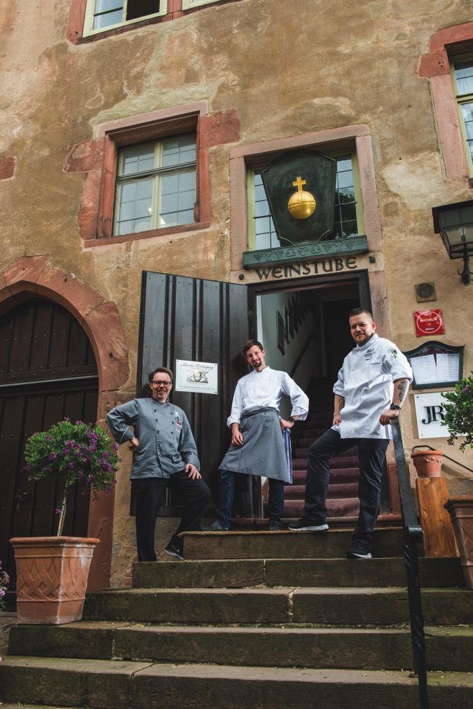 Das Team Scharff's Schlossweinstube