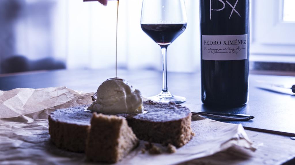 Torta_della_Nonna_mit_Tonkabohnen_Eis_zu_sherry_dessert