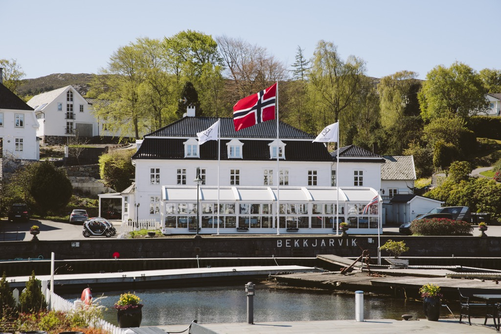 Bekkjarvik Gjestgiveri-Mittag-bei-Ørjan-Johannsen