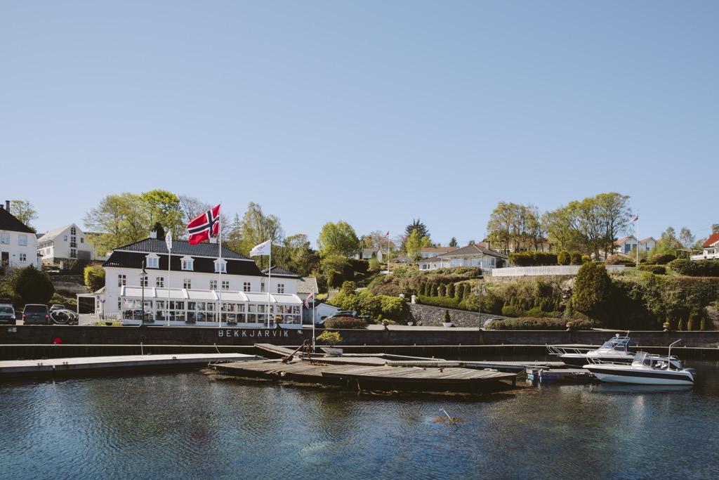 Gjestgiveri-Mittag-bei-Ørjan-Johannsen-kleine-Bucht