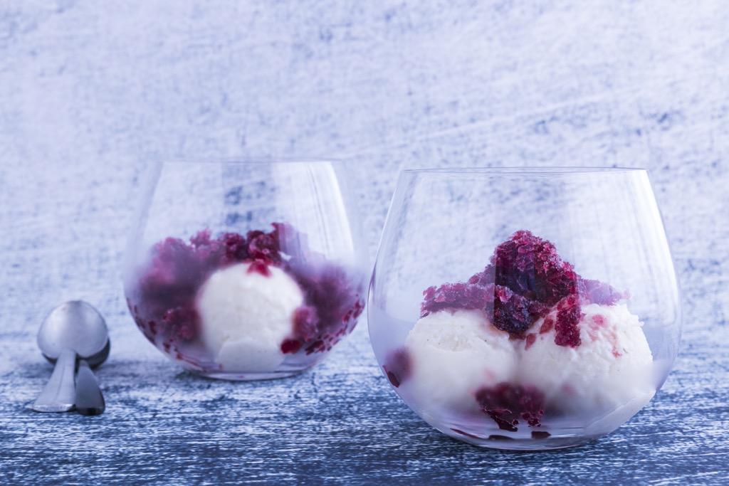 Milchreis-eis-mit-rotwein-granita