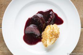 Süße-Grießnocken-mit-Zimt-Semmelbrösel-und-Rotwein-Feigen