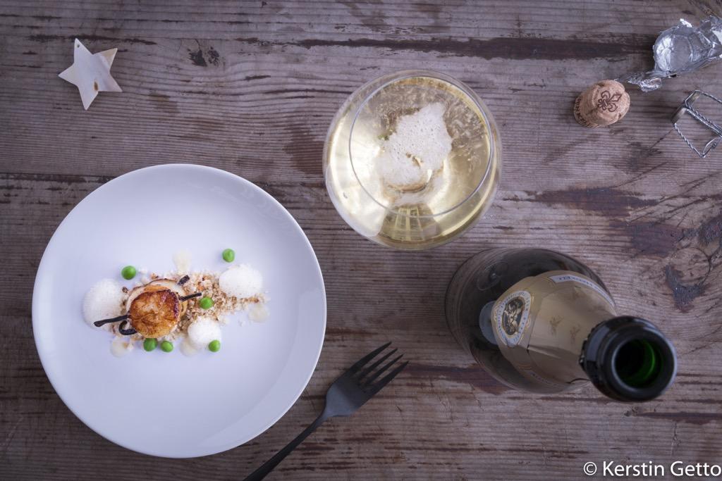 Henkell-Vanille-Jakobsmuscheln-Chardonnay-Schaum-Yuzugel-Erbsen-Limetten-Panko-4