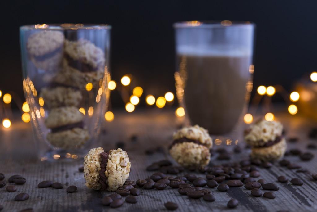 Walnusskekse-mit-Kaffee-Orangen-Ganache-und-eine-Geschenkidee-zu-Weihnachten-für-Kaffeeliebhaber_-9