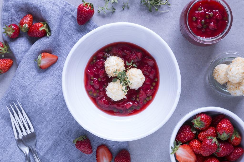 Erdbeerchutney-mit-Ziegenkäsebällchen