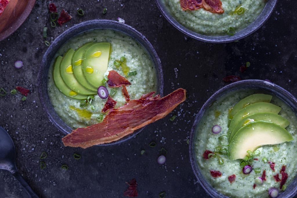 Gurke-Avocado-Suppe-erfrischend