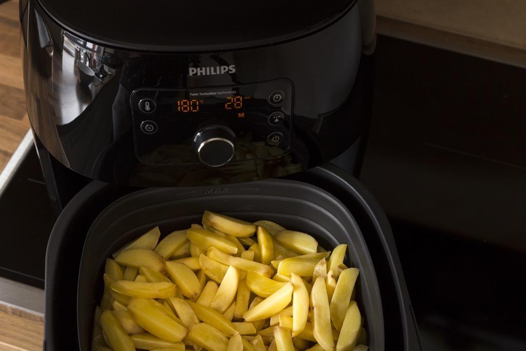 Pommes-im-Airfryer-heissluft