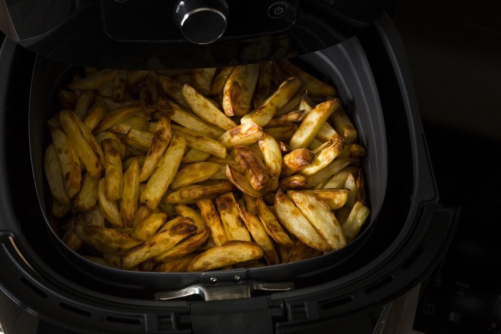 herrlich-knusprige-Pommes-aus-der-heissluftfritteuse