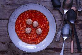 Tomatensuppe-mit-Hackbällchen
