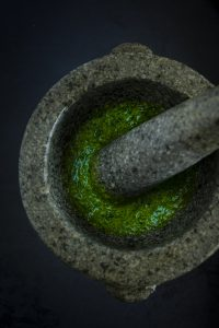 Kaviar I Birne I Topinambur I Liebstöckel I cookingaffair.de