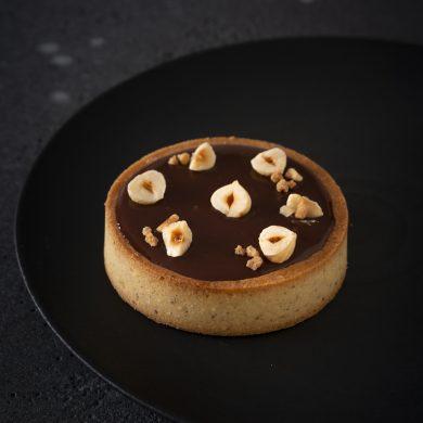Karamell-Schokoladen-Haselnuss-Törtchen